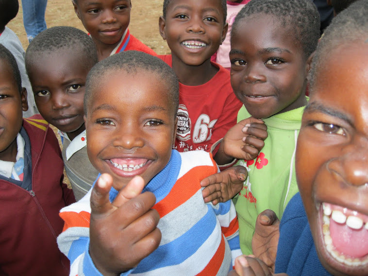African children inviting you to go on mission. You can go with KidZ at Heart.